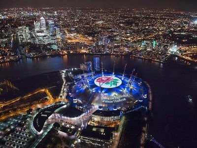 So macht Projection Mapping richtig Spaß - Londoner O2 Arena beim Wear the Rose Event (Foto: d3 Technologies)