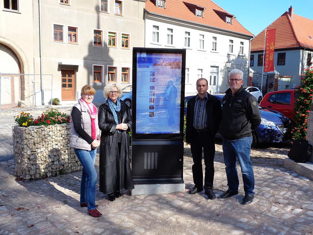 Thüringens erste kommunale Outdoor Stele überhaupt (Foto: Tobias Zugehör)