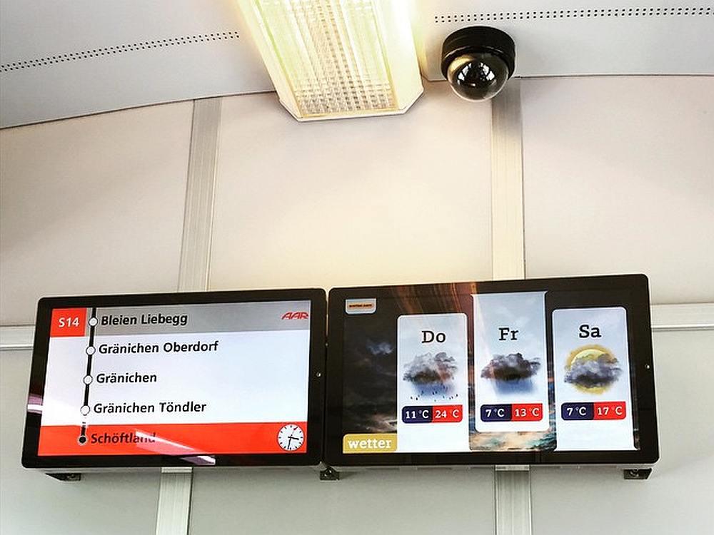 passengertv Screens hängen auch in den Öffis der AAR Bus & Bahn (WSB) (Foto: passengertv)