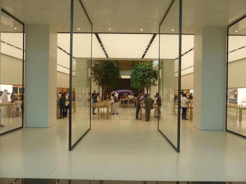 Apple Store Dubai - Mall of the Emirates (Photo: invidis)
