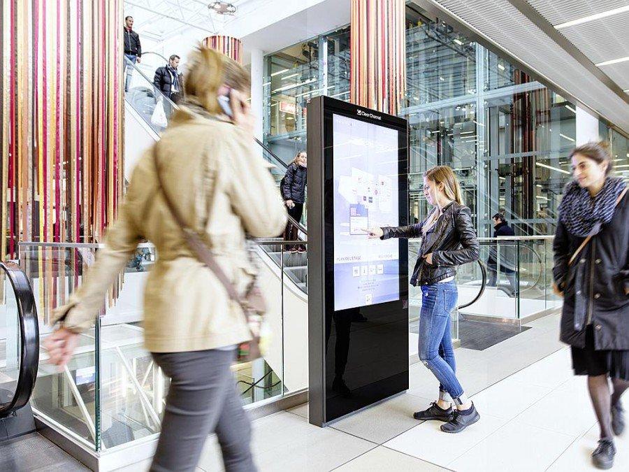 Clear Channel Screen in der Shopping Mall Métropole Lausanne (Foto: Clear Channel)