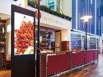Happy Lobster Restaurant mit Digital Signage Stele auf einer Ostee-Fähre (Foto: Craneworks)