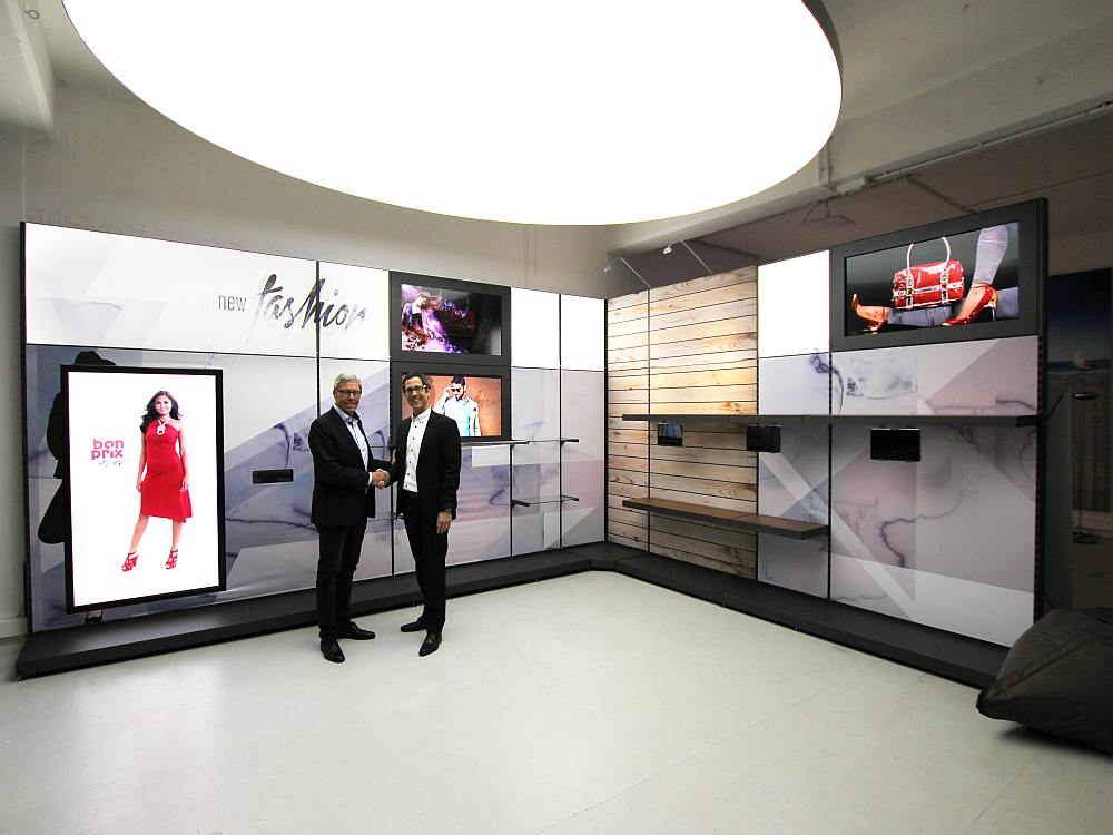 Neues Shopsystem im Digital Signage Innovation Center (Foto: kommatec)