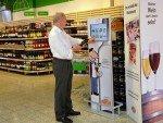 Wein-Kaufberatung via Digital Signage - Frag Henry Terminal bei Globus (Foto: Globus)