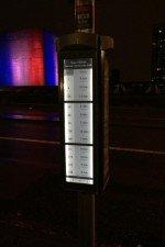 Auch bei Dunkelheit erfüllen die Displays ihren Zweck (Foto: Technoframe)