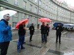 Auch bei Regen an vorderster Front - Guided Tour in der Münchner Innenstadt (Foto: invidis)