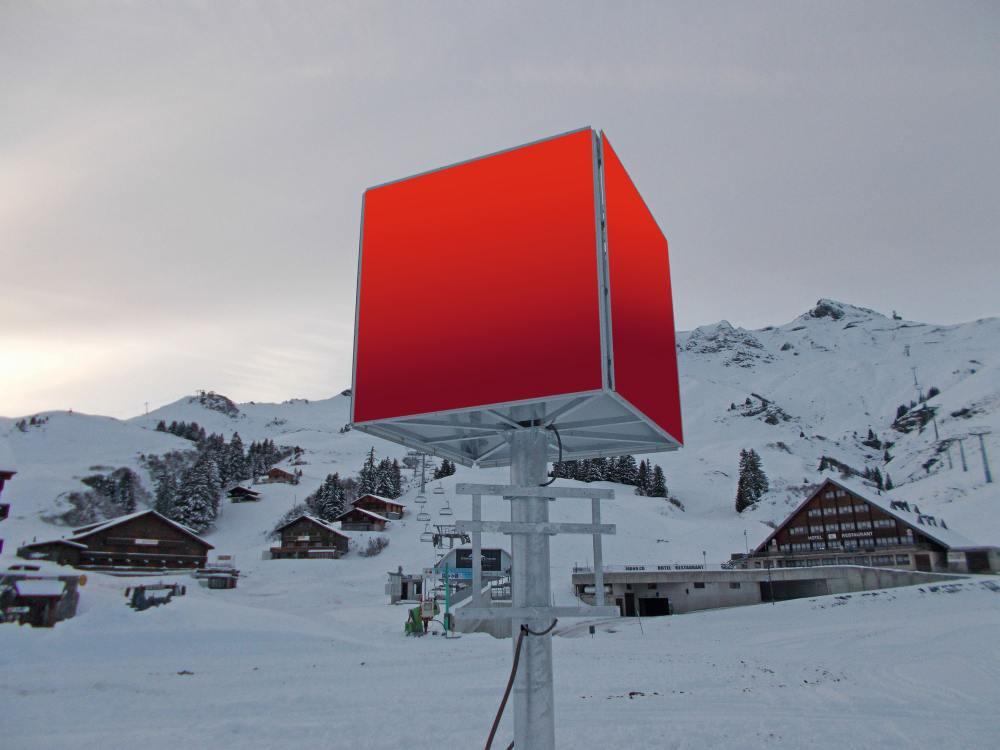 Der Berg ruft, der Konsument kommt - der Werbungtreibende auch - neuer Werbe Cube in Champéry (Foto: APG|SGA Mountain)