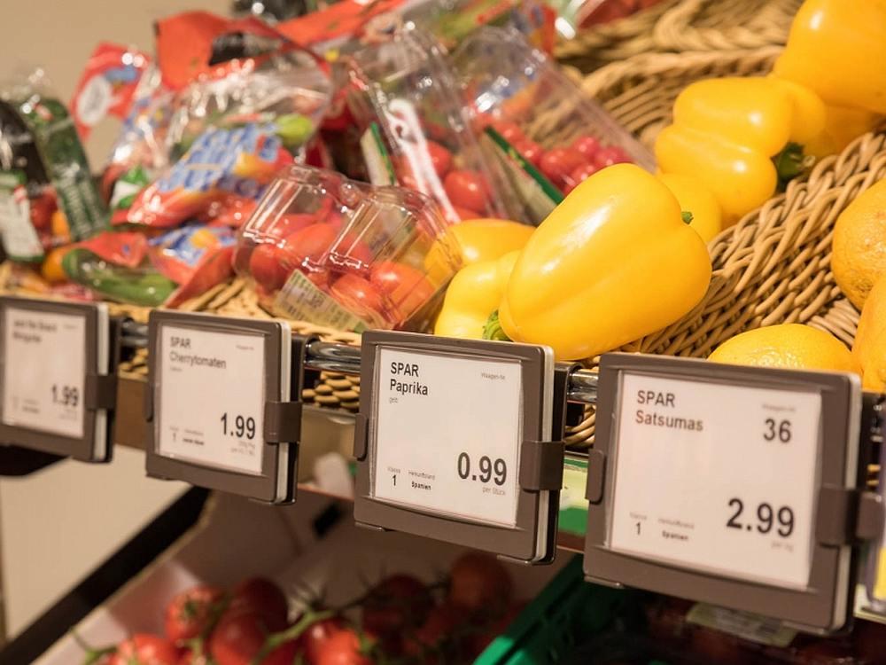 ESL.inclusive Displays an der Obst- und Gemüsetheke (Foto: Umdasch Shopfitting)