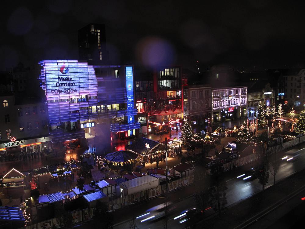 Interaktive DooH Aktion für Hamburg 2024 auf der LED Fassade an der Reeperbahn (Foto: Olympia-Initiative-Hamburg Feuer und Flamme für Hamburg GmbH)