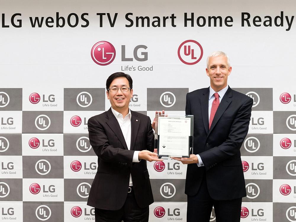 LG - Übergabe der UL-Zertifizierung (Foto: LG)
