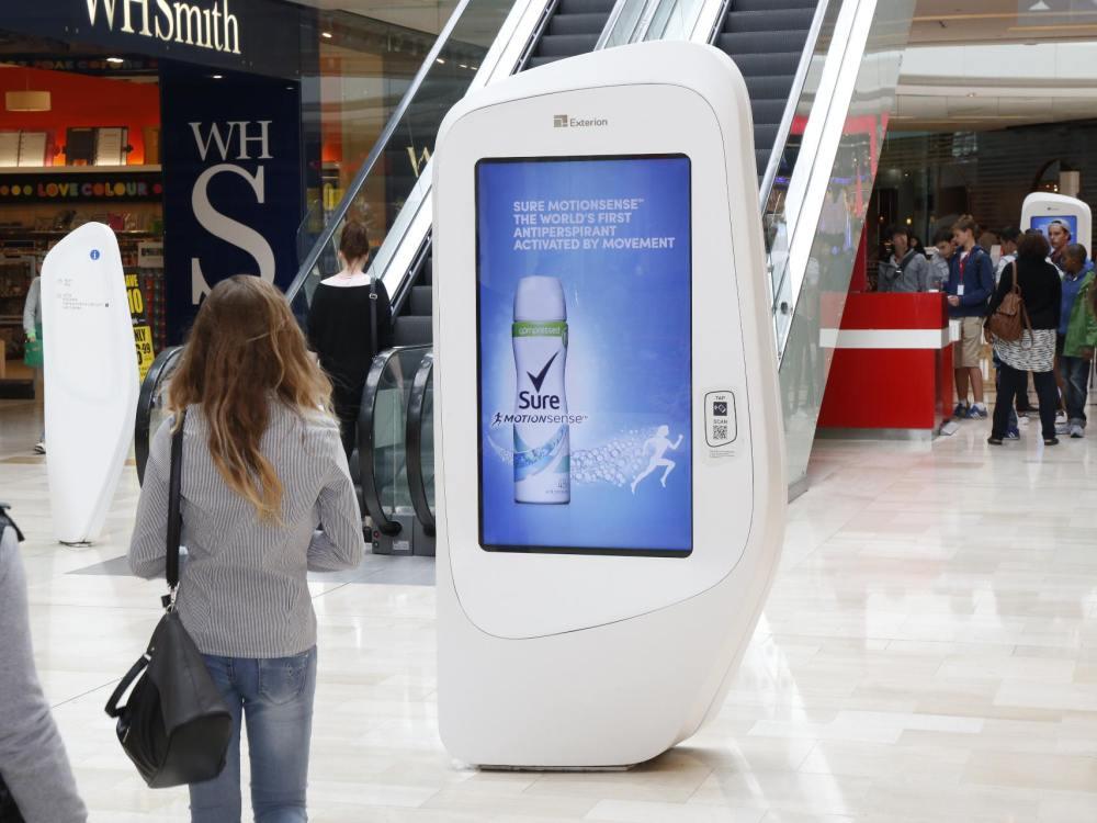 Screens aus Exterions Retail DooH Netzwerk (Foto: Broadsign)