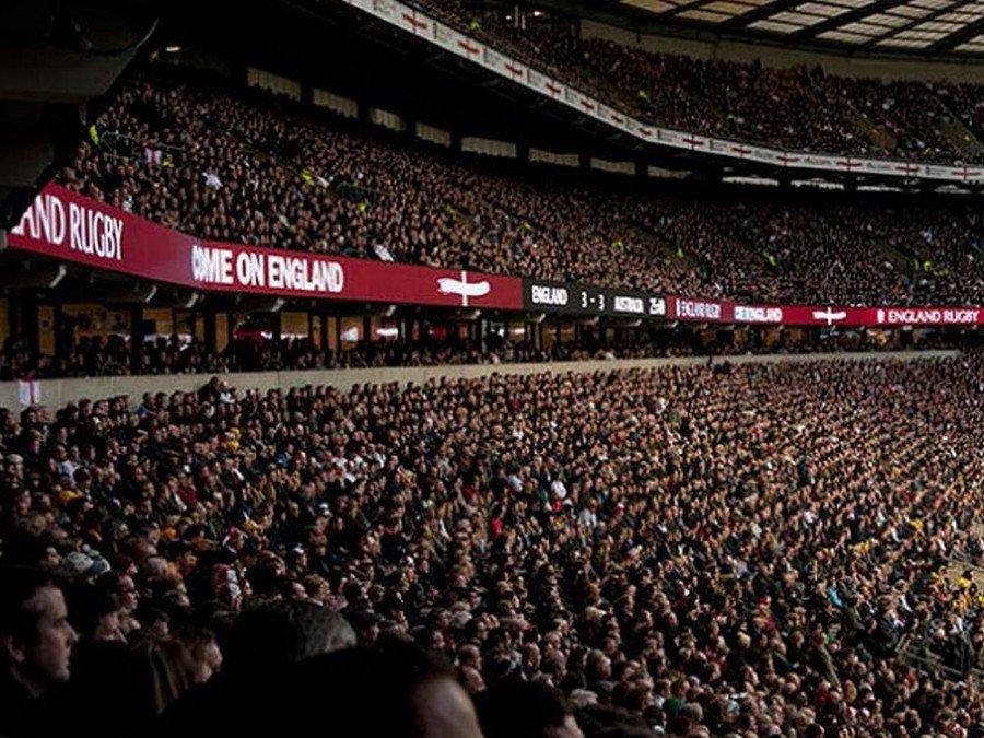 Von Outdoor LED zu Indoor LED - LED Bande von Pioneer Group im Rugby Stadion Twickenham (Foto: Pioneer Group)
