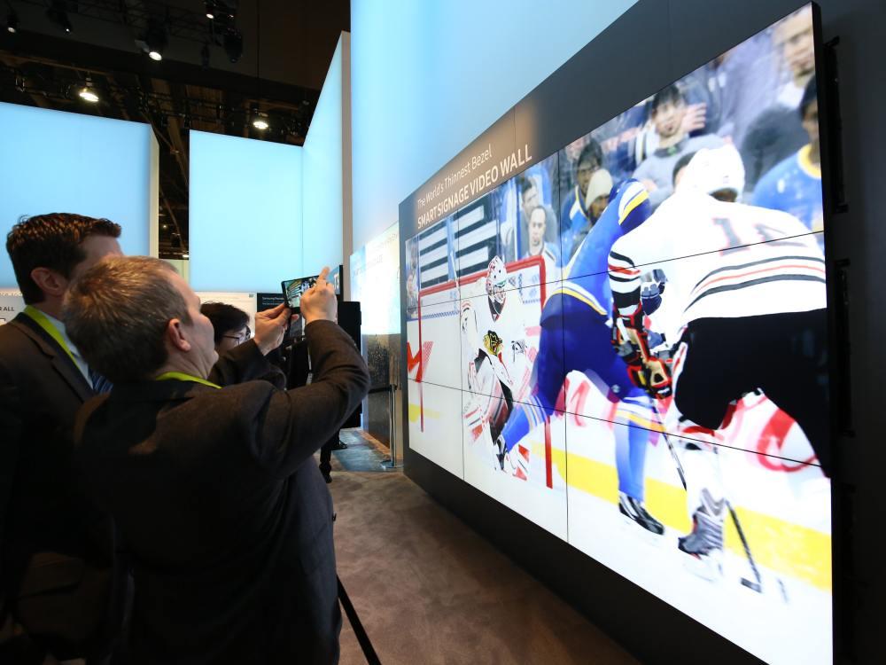 1,4 mm Bezel to Bezel - neue Video Wall Screens auf der CES 2016 (Foto: Samsung)