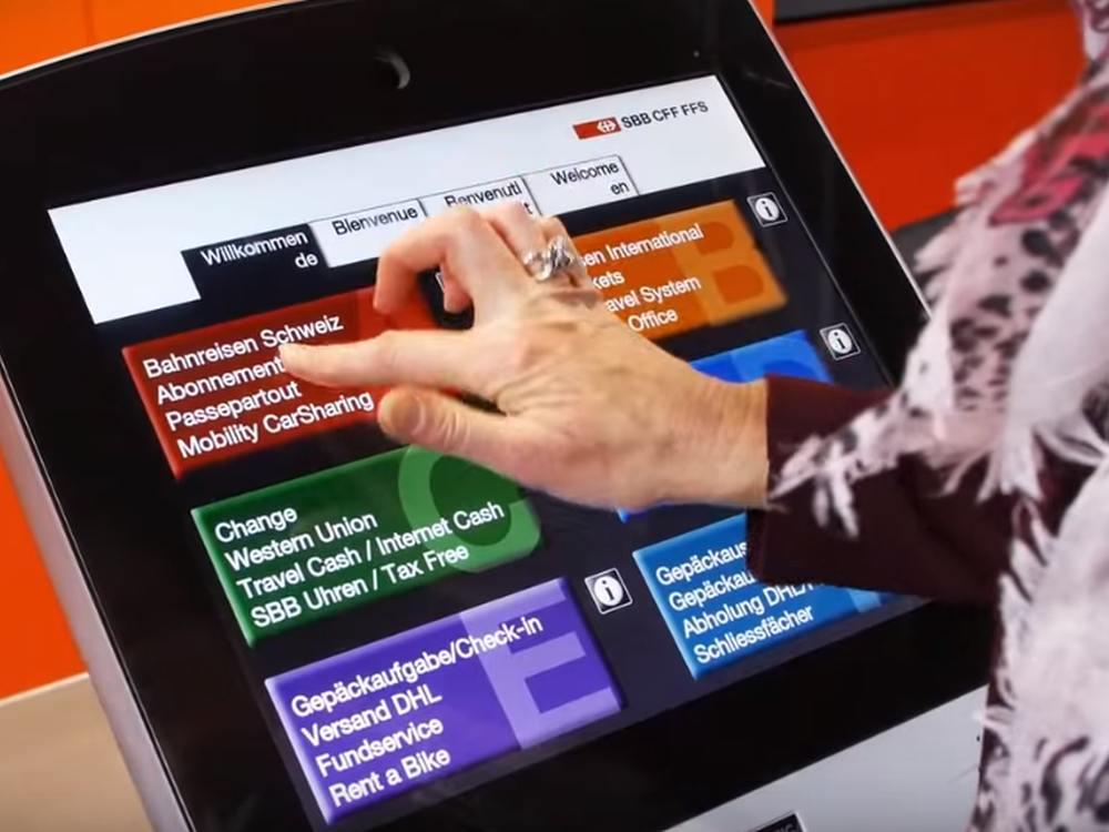 Barrierefreies 55 Ticketing Kiosk am Bahnhof Basel SBB (Screenshot: invidis)