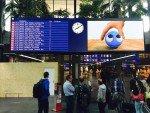 Frisch nach der Installation in Betrieb - neue LED Boards am SBB Bahnhof am Airport in Genf (Foto: SBB)