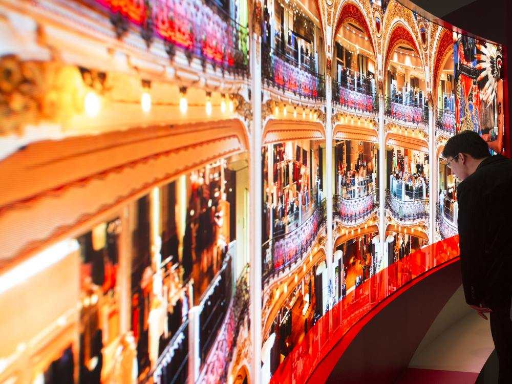 LED Video Wall aus Modulen von SiliconCore auf der ISE 2015 (Foto: Paul Box / SiliconCore)