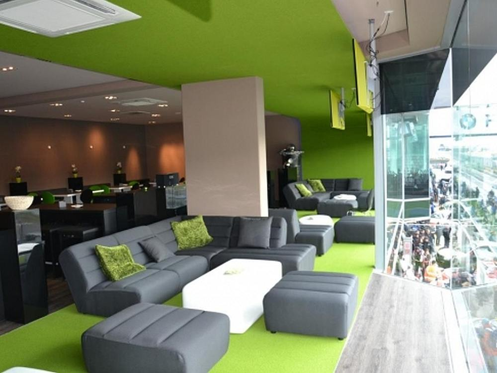 Lounge von SX Consulting am Nürburgring (Foto: SX Consulting Group)