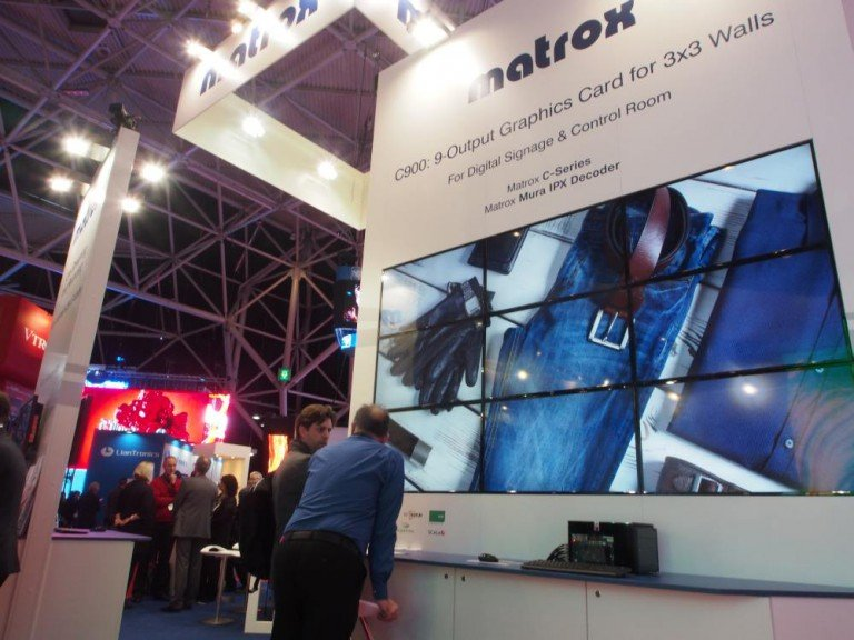 Am Stand von Matrox - 3x3 Video Wall mit C900 (Foto: invidis)