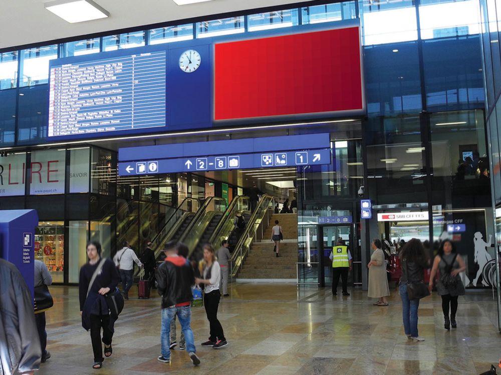 Auch auf dem eBoard am Bahnhof Geneve Cornavin war das Sujet zu sehen (Foto: APG|SGA Rail)