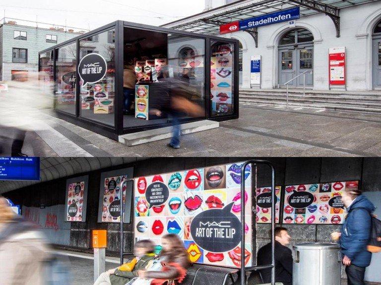 Digitale und analoge Werbeformen wurden genutzt - Glas-Cube und Plakate in Stadelhofen (Fotos: APG|SGA)