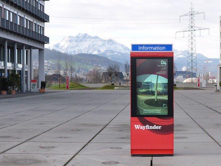 Inputech Stele im Technopark Luzern (Foto: VDF Signage)