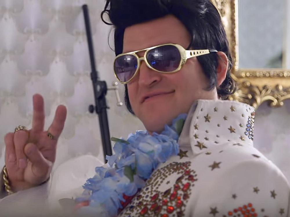 Lieber Gruß vom King - Elvis im Einsatz für Norwegian (Screenshot: invidis)