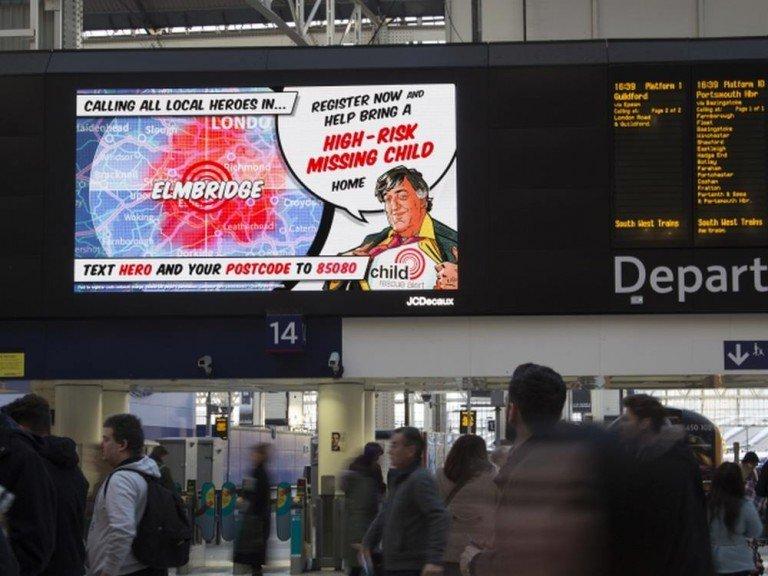 Suche nach vermissten Kindern - aktuelle DooH Kampagne in UK (Foto: JCDeaux)