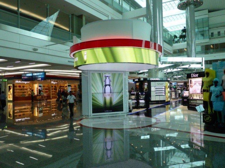 Am neuen Terminal in DXB setzt DDF auf LED und LCD Signage (Foto: invidis)