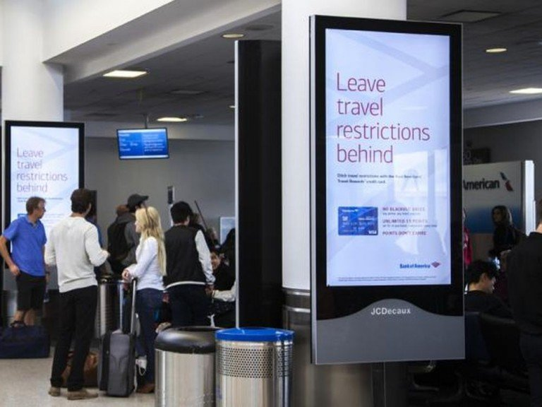 Bank of America warb an 6 großen Airports in DooH (Foto: JCDecaux)