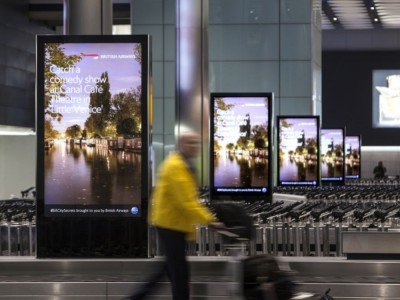DooH Screens am Airport London Heathrow (Foto: JCDecaux)