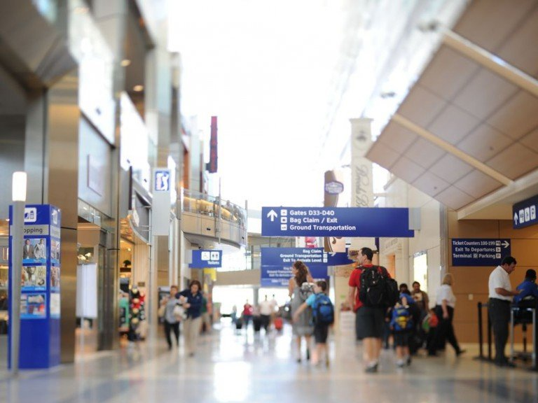 Passagiere am Airport DTW (Foto: DFW International Airport)