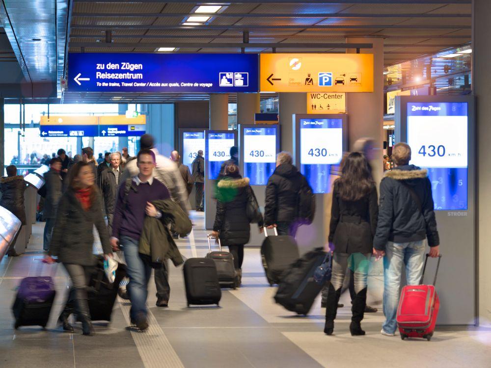 Station Video Screens am Hbf in Berlin (Foto: Ströer)