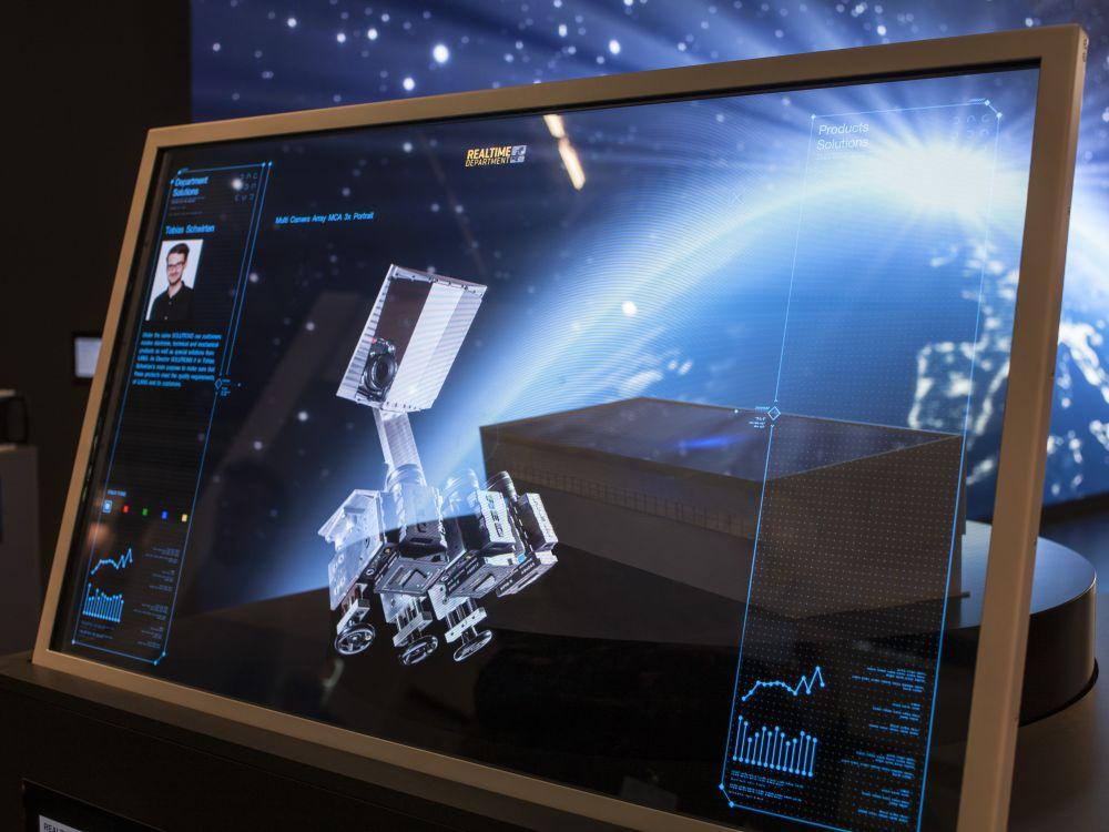 Transparenter GhosT-OLED Screen im Einsatz (Foto: Lang AG)