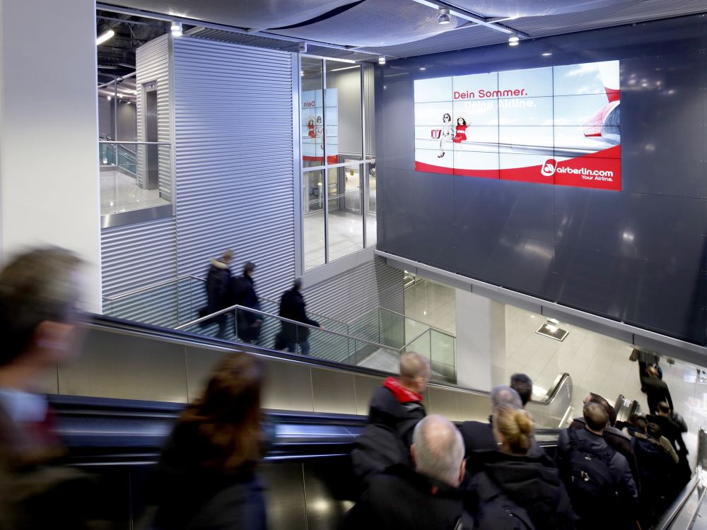 4x4 Video Wall aus NEC Screens am Airport Düsseldorf (Foto: NEC)