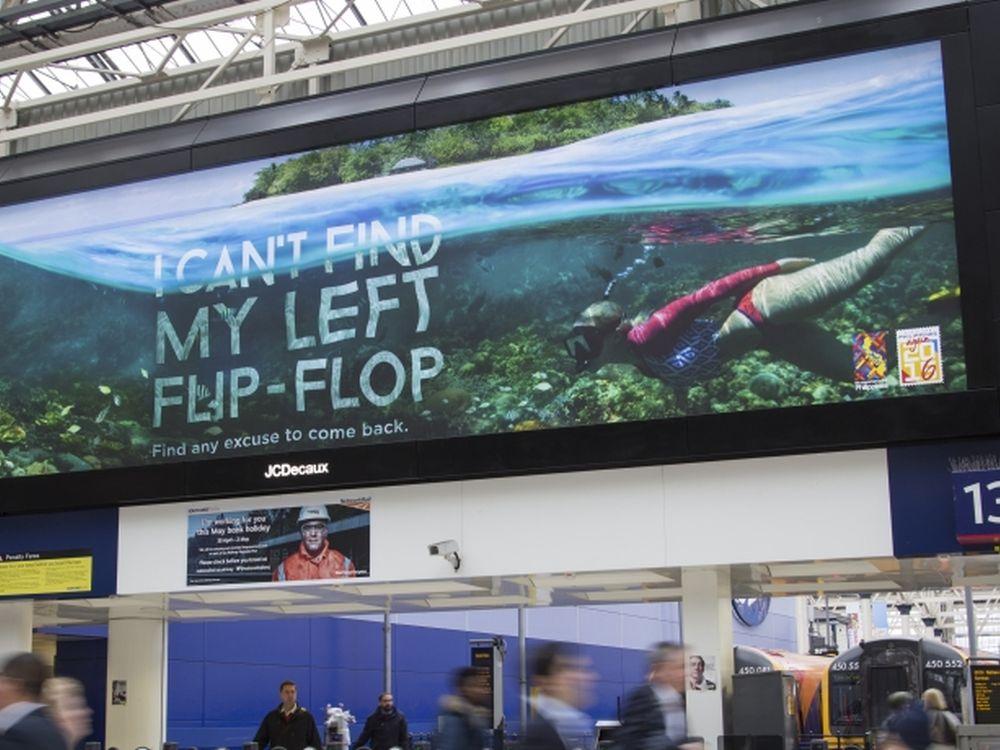 Aktuelle Kampoagne Visit Philippines Again 2016 auf einem LED Screen im Bahnhof Waterloo (Foto: JCDecaux)