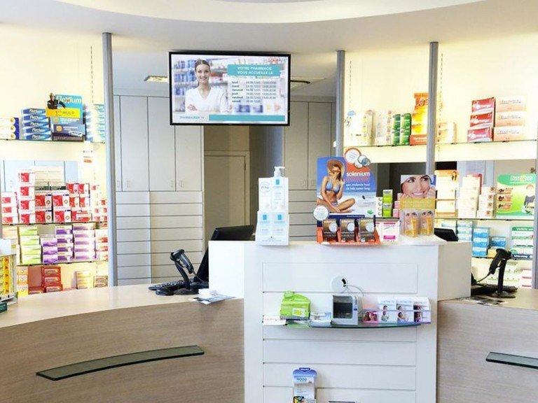 Belgische Apotheke mit Digital Signage Screen von iDklic (Foto: iDklic)