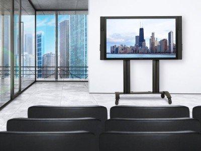 Für die SurfaceHub Screens hat Peerless-AV nun neue Wagen und Halterungen auf den Markt gebracht (Foto: Peerless-AV)