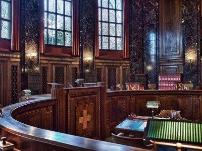 Großer Gerichtssaal im Bundesgericht in Lausanne - APG und Clear Channel streiten hier (Foto: Schweizerisches Bundesgericht)