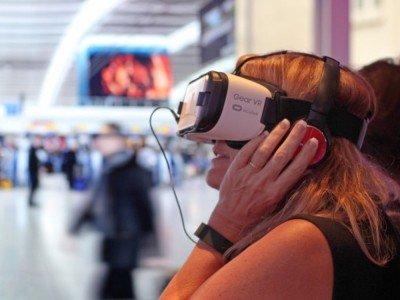 In Heathrow ist JCDecaux Airport mit dem VR Service iExplore gestartet (Foto: JCDecaux)