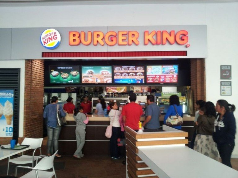 Mexikanischer Burger King mit vier Screens als Digital Menu Boards (Foto: Scala)