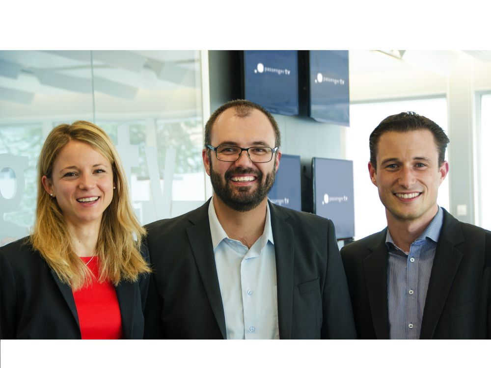 Neue Geschäftsleitung der Livesystems AG mit CEO Tobias Frommenwiler (Mitte), COO Kathrin Saner und Head of Market Yves Kilchenmann (Foto: Livesystems AG )