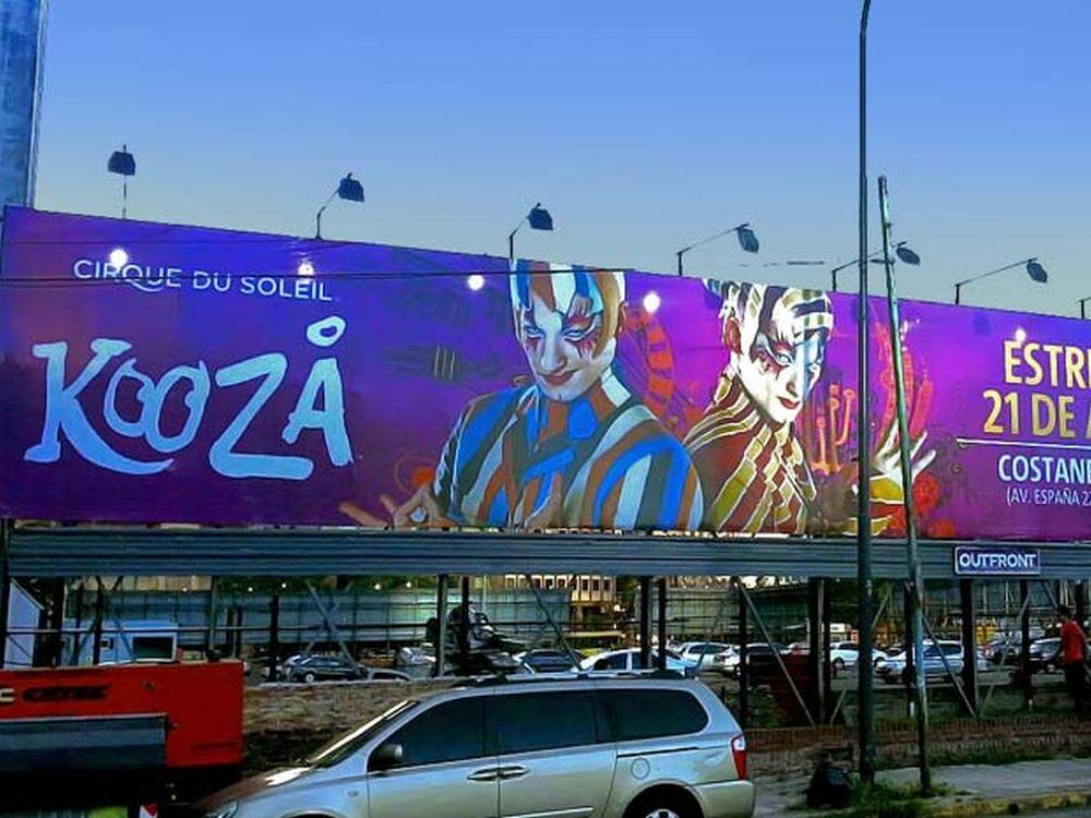 OUTFRONT Media Plakat in einer Großstadt (Foto: JCDecaux)