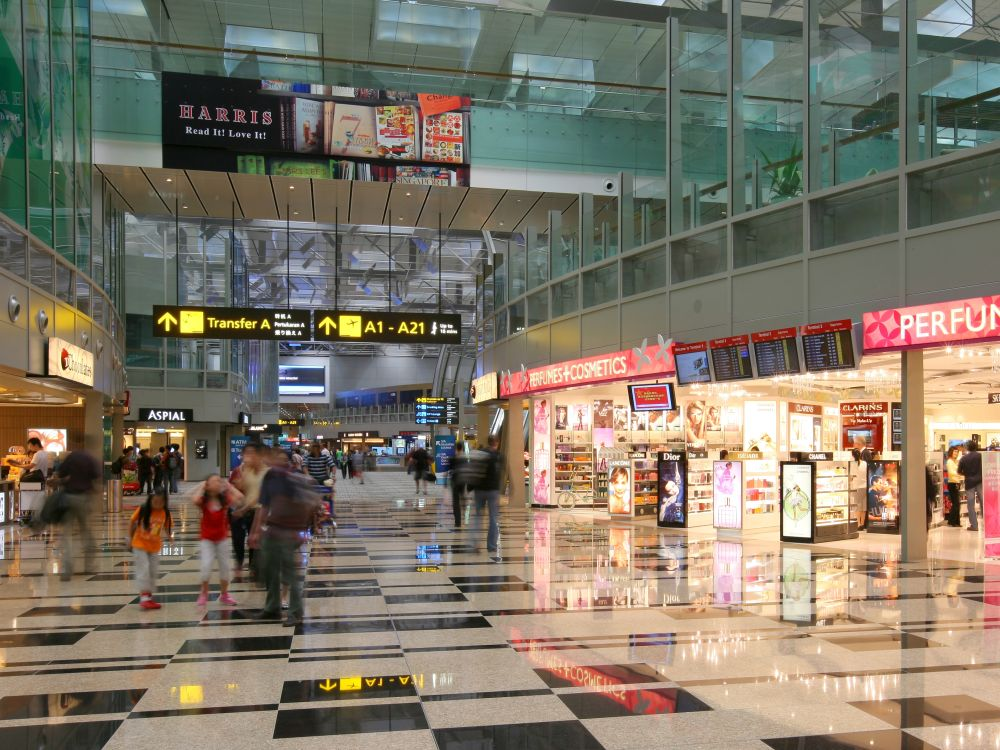 Transit Retail Bereich im Terminal 3 Changi Airport (Foto: Changi Airport Group)
