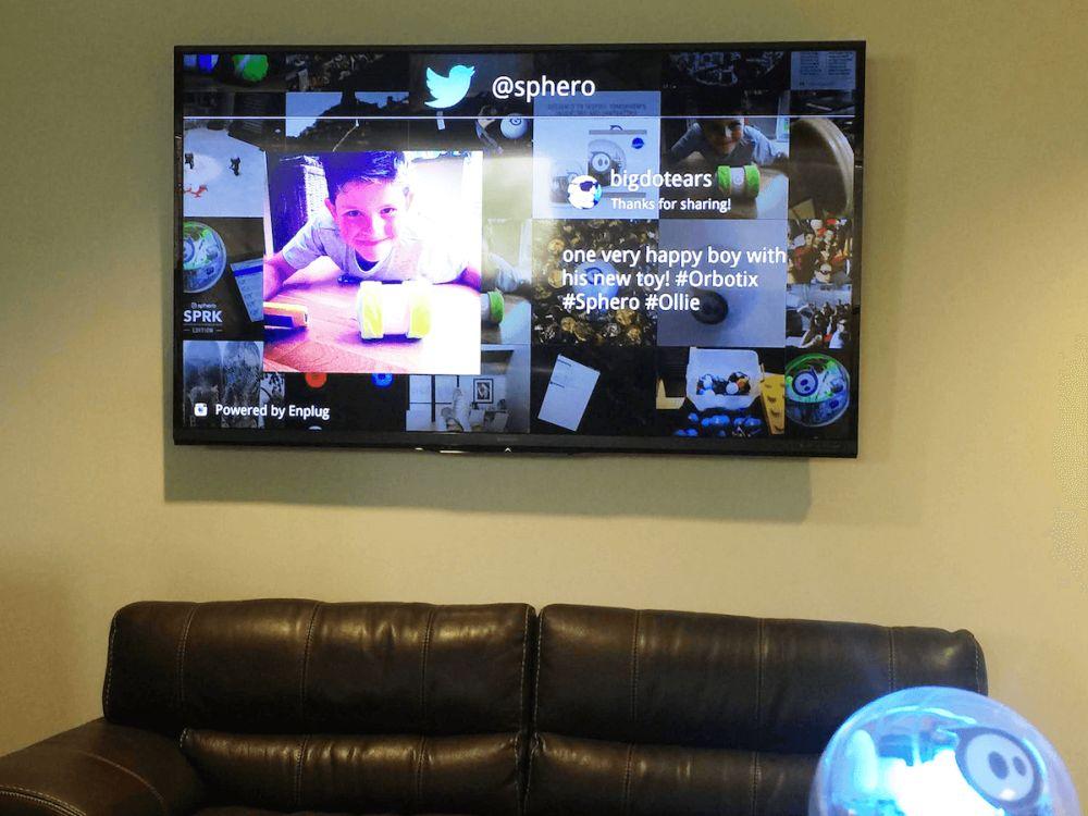 Auf ENPLUG laufender Digital Signage Screen (Foto: ENPLUG)