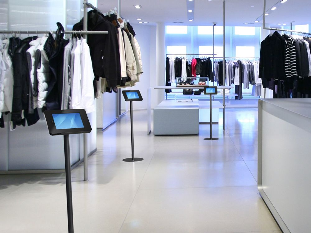 Drei savepad FlOOR Modelle am Point of Sale (Foto: Werkmedia)