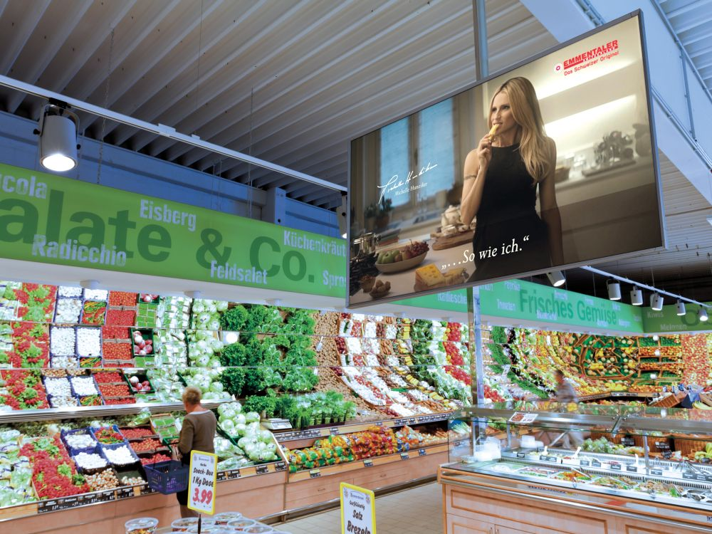 FoodChannel Screen bei EDEKA mit neuem Emmentaler Spot (Foto: Neo Group)