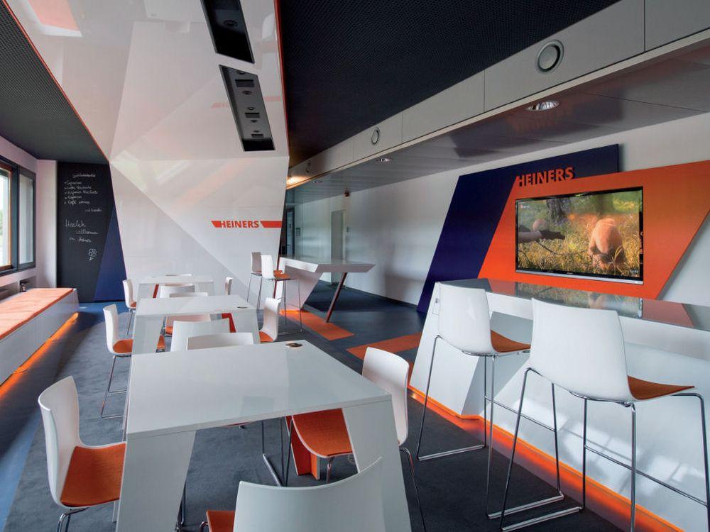 Mitarbeiter-Café Heiners bei Ströer in Köln - AbisZ Medien installierte und plante die Medientechnik (Foto: AV-Solution Partner)