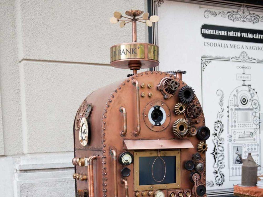 So hätte ein Geldautomat vor 120 Jahren aussehen können (Foto: Saatchi & Saatchi)