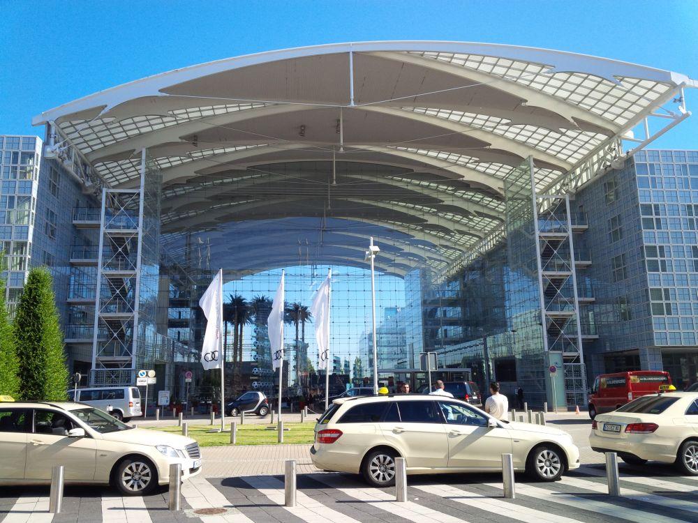Das Hilton Munich Airport am ersten Tag des DSS Europe 2016 (Foto: invidis)
