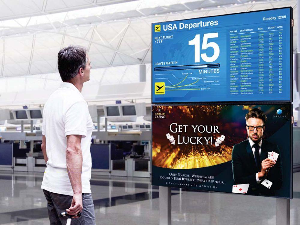 Digital Signage Screens aus den angekündigten Tizen Serien PHF und PMF (Foto: Samsung)